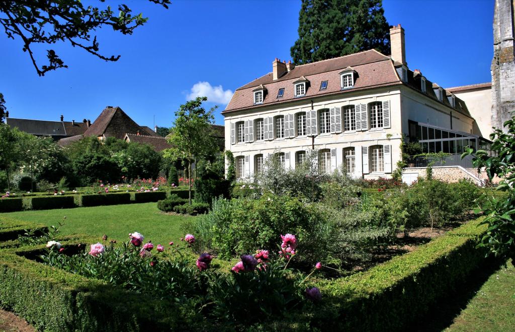 Le Collège Royal et Militaire de Thiron Gardais
