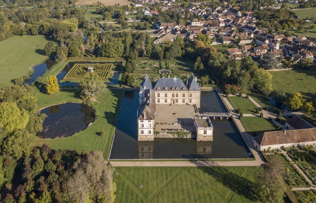 le château de Cormatin vu du ciel (Bourgogne)