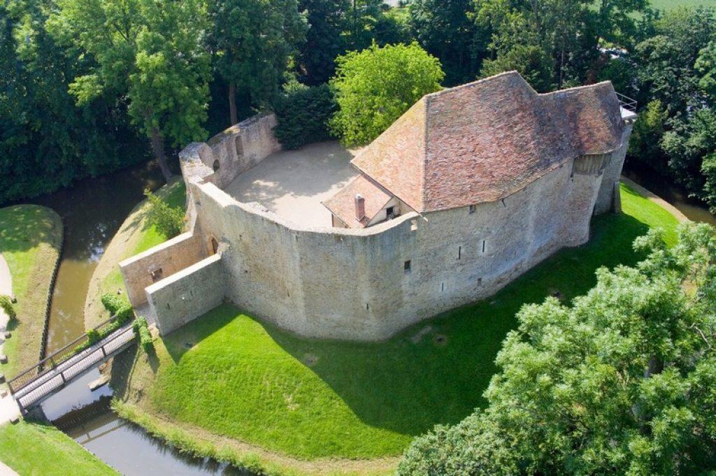 chateau de crevecoeur